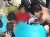 Bão số 9 khiến cây xanh ở Sài Gòn bật gốc đè chết một người đàn ông chạy xe máy trên đường