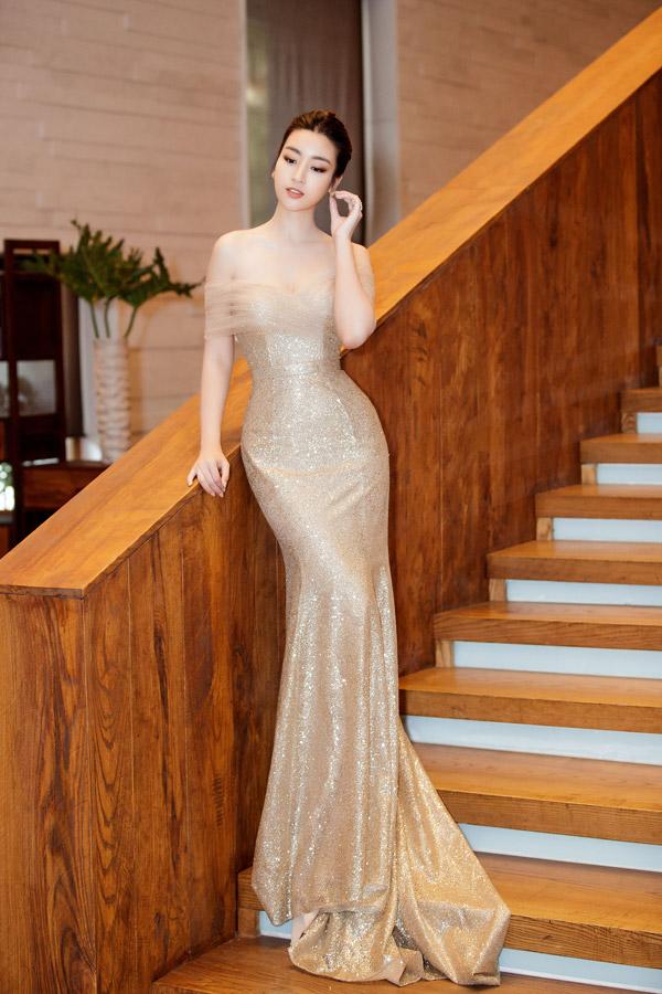 May quá, Phương Oanh tái xuất lại xinh tựa búp bê - Kỳ Duyên diện váy ngắn cũn sang chảnh như vedette-2