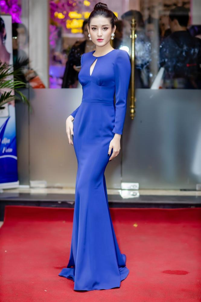 May quá, Phương Oanh tái xuất lại xinh tựa búp bê - Kỳ Duyên diện váy ngắn cũn sang chảnh như vedette-4