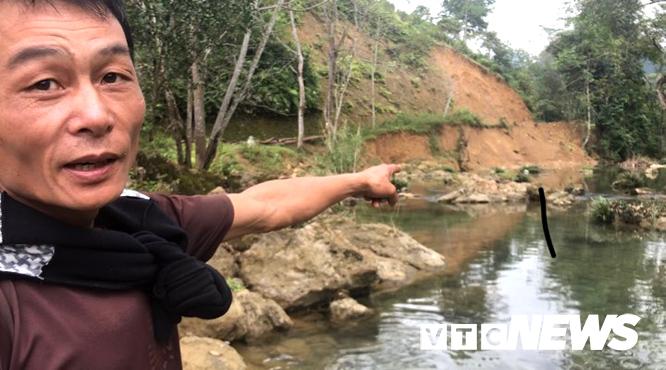 Kỳ bí suối nước trong vắt, cá lúc nhúc giữa rừng thẳm Sơn La-3