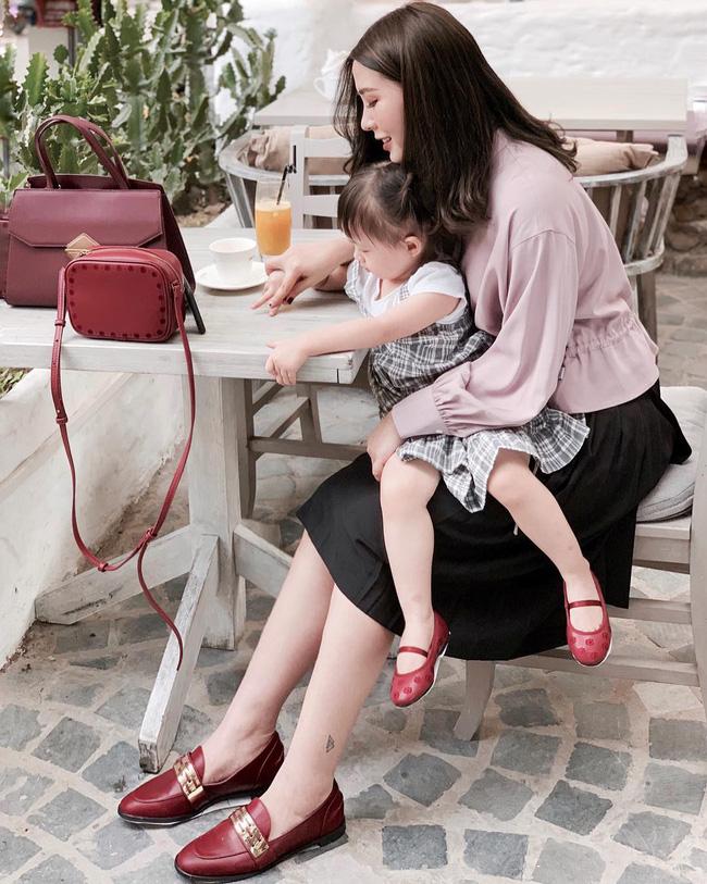 Street style tuần này: Hằng Túi huýt sáo đi đẻ được mọi người khen hết lời vì diện váy vừa đẹp lại sang-2