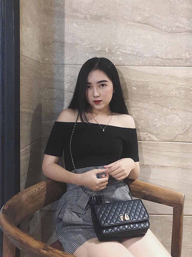 Cô gái xinh như hoa nắm tay Hà Đức Chinh trên phố là ai?-8