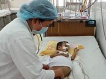 Căn bệnh bẩm sinh khiến trẻ tử vong trước 1 tuổi: Nhận biết bệnh từ dấu hiệu trên chiếc bỉm
