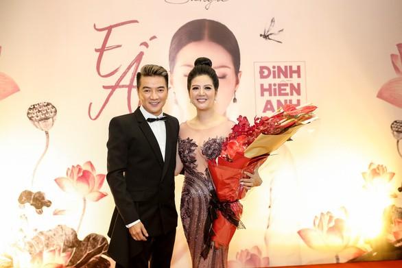 Thân thế ít biết của ca sĩ Đinh Hiền Anh - người vừa kết hôn với Thứ trưởng Bộ Tài chính-8