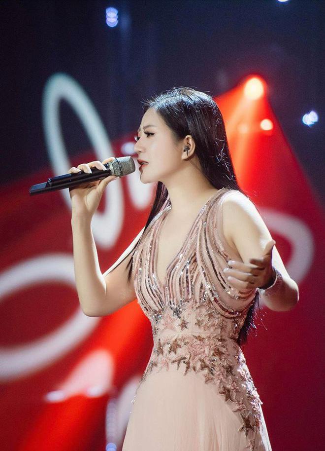 Thân thế ít biết của ca sĩ Đinh Hiền Anh - người vừa kết hôn với Thứ trưởng Bộ Tài chính-3