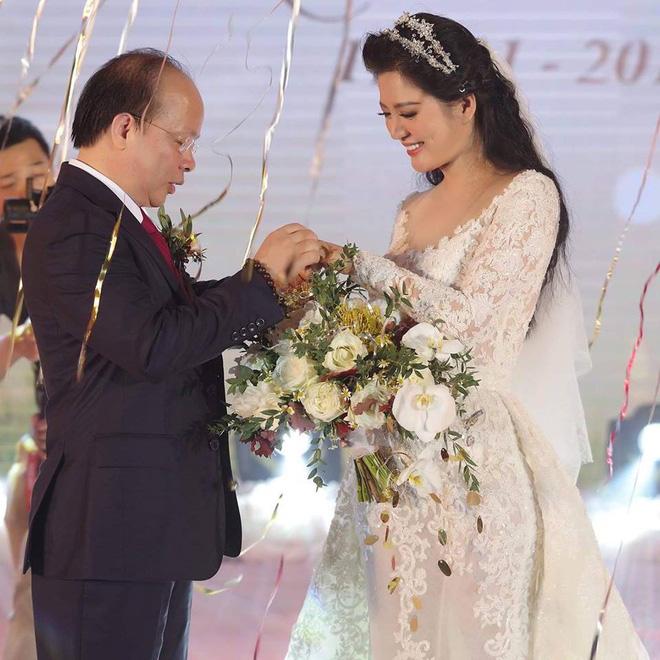 Thân thế ít biết của ca sĩ Đinh Hiền Anh - người vừa kết hôn với Thứ trưởng Bộ Tài chính-1
