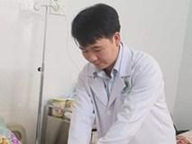 Đi mổ cột sống, choáng váng phát hiện ung thư hiếm gặp
