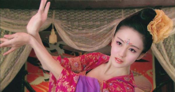 Từ kỹ nữ thành hoàng hậu, Triệu Phi Yến càng điên cuồng làm đẹp đến mức... vô sinh-1