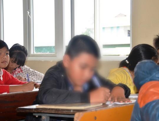 Bị điều tra tội hành hạ người khác, cô giáo chỉ đạo cả lớp tát học trò 231 cái có thể đối diện mức án 3 năm tù-1
