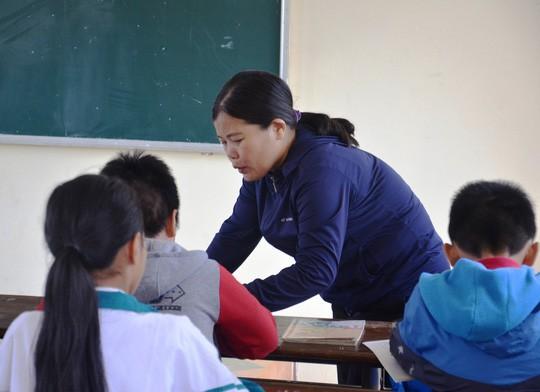 Bị điều tra tội hành hạ người khác, cô giáo chỉ đạo cả lớp tát học trò 231 cái có thể đối diện mức án 3 năm tù-2