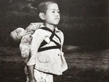 Bức ảnh cậu bé cõng em đã chết trên lưng và câu chuyện về khoảnh khắc khiến nhiếp ảnh gia ám ảnh suốt đời