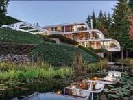 Lạ đời căn nhà 300 tỷ như... dòng thác tuôn chảy