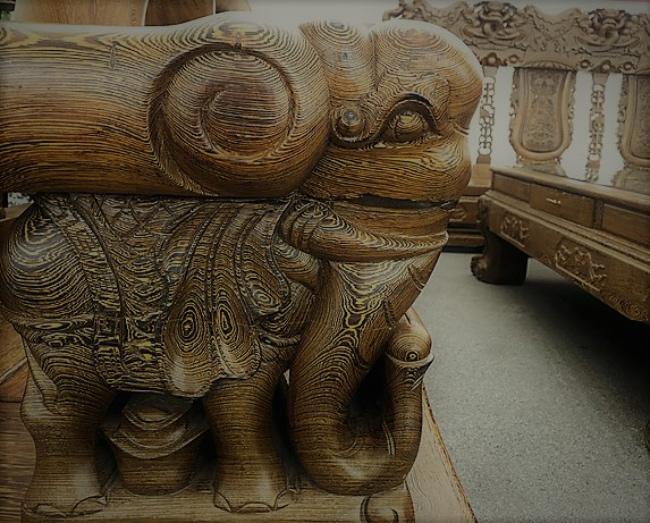Đã mắt trước bộ bàn ghế gỗ mun đuôi công trị giá 3,2 tỷ đồng-11