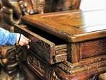 Bộ bàn ghế gỗ trắc nặng 8 tạ, đại gia trả 3,2 tỷ chủ nhân vẫn chưa bán-16