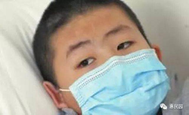 Cậu bé bị ung thư thận vì cả ngày chỉ ăn một món được khuyến cáo không ăn quá nhiều-1