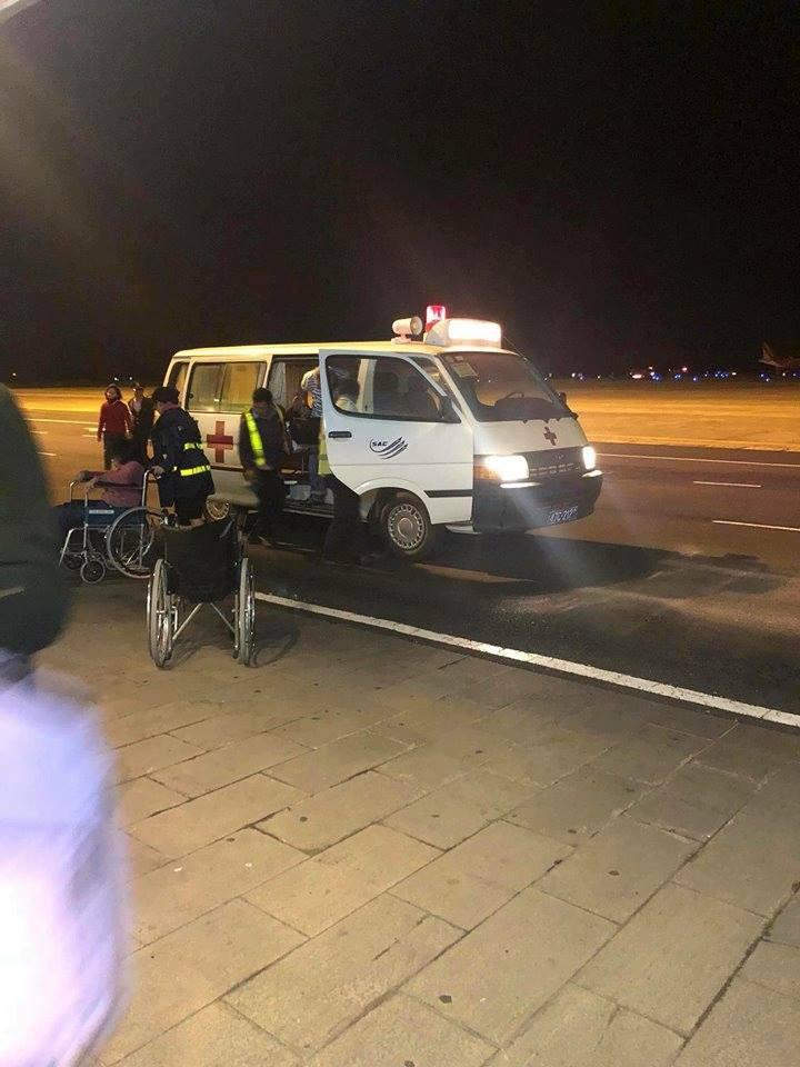 Nóng: Máy bay Vietjet gặp sự cố nghiêm trọng khi tiếp đất, hàng trăm hành khách được lệnh bỏ lại hành lý và nhảy ra cửa thoát hiểm-3