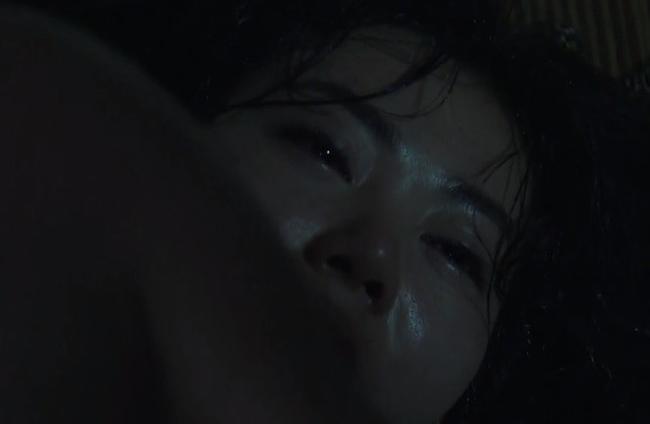Những cảnh nóng điên đảo màn ảnh Việt 2018: Đốt mắt nhất là màn ái ân sập cả giường-4