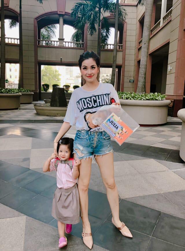 Street style sao: Diệp Lâm Anh vừa sinh xong đã vội diện đồ sexy, Hương Giang mặc kín đáo vẫn lộ dáng gầy nhẳng-13