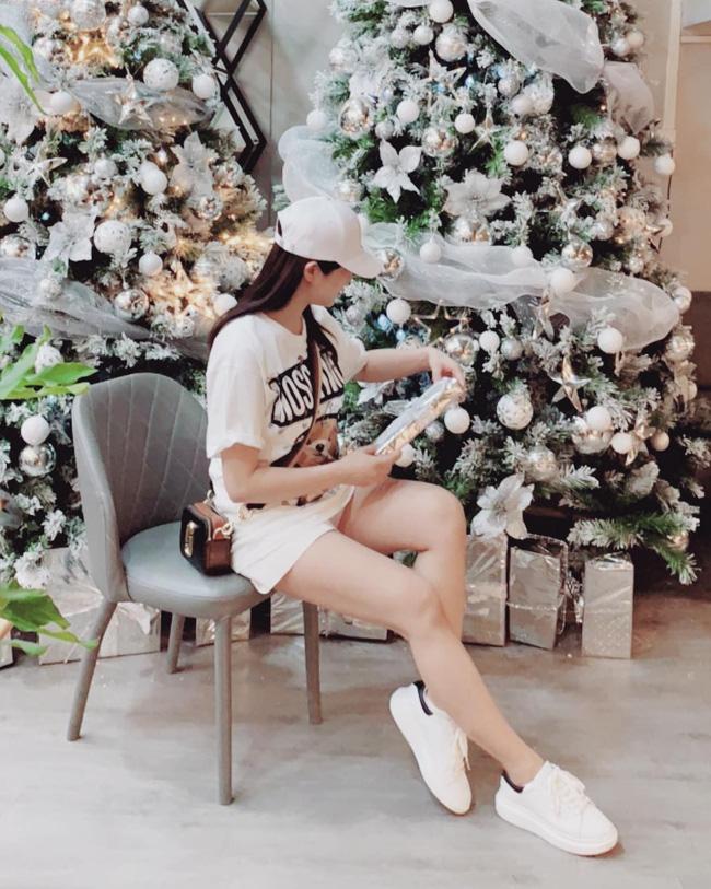 Street style sao: Diệp Lâm Anh vừa sinh xong đã vội diện đồ sexy, Hương Giang mặc kín đáo vẫn lộ dáng gầy nhẳng-3