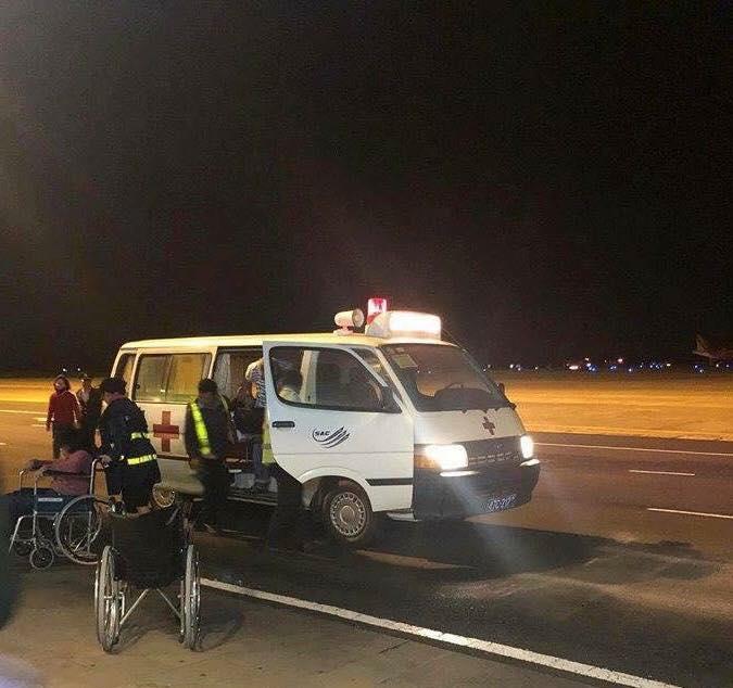 Hiện trường máy bay Vietjet gặp sự cố, hành khách nhảy cửa thoát hiểm-6