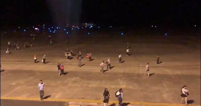 Hiện trường máy bay Vietjet gặp sự cố, hành khách nhảy cửa thoát hiểm-7