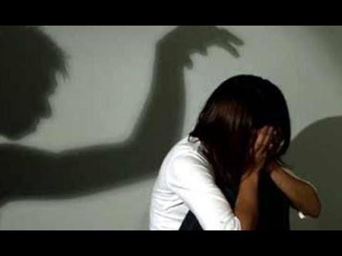Phát hiện điện thoại con gái có phim người lớn, mẹ chết lặng khi con khai ra hơn 1 năm bị cha dượng hiếp dâm-1