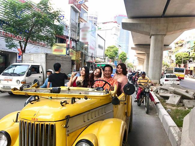 Hé lộ về 3 chân dài trên siêu xe cùng Quang Tèo diễu phố, náo loạn khu Cầu Giấy-1
