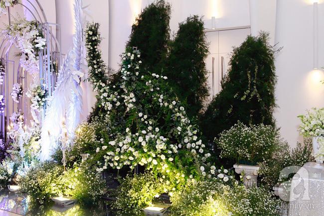 Cận cảnh không gian tiệc cưới lộng lẫy như cổ tích của Ưng Hoàng Phúc và Kim Cương-7