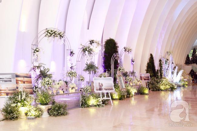 Cận cảnh không gian tiệc cưới lộng lẫy như cổ tích của Ưng Hoàng Phúc và Kim Cương-8
