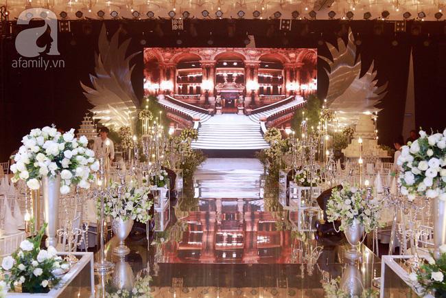Cận cảnh không gian tiệc cưới lộng lẫy như cổ tích của Ưng Hoàng Phúc và Kim Cương-12