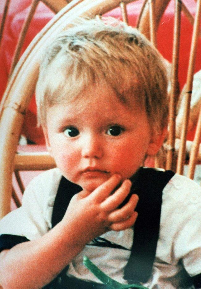 Cậu bé 21 tháng tuổi mất tích và không trở về nữa, 27 năm sau câu chuyện vẫn không thể tìm ra được chân tướng sự việc-1