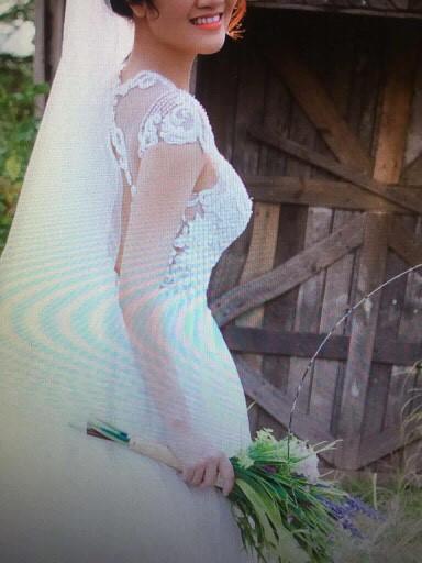 Cô dâu tố studio giao nhầm váy ăn hỏi, chụp ảnh cưới không có tâm-1