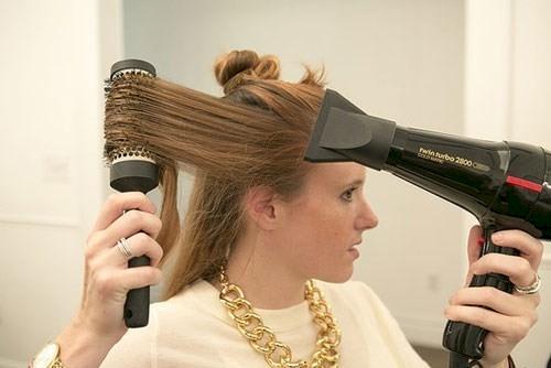 Mùa đông chớ dại dùng máy sấy tóc kiểu này nếu không phát nổlúc nào chẳng hay-1