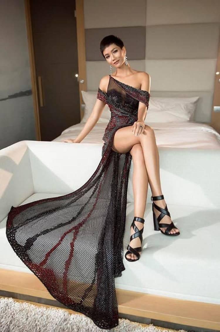 HHen Niê quyến rũ trong trang phục dạ hội xẻ cao tà-2