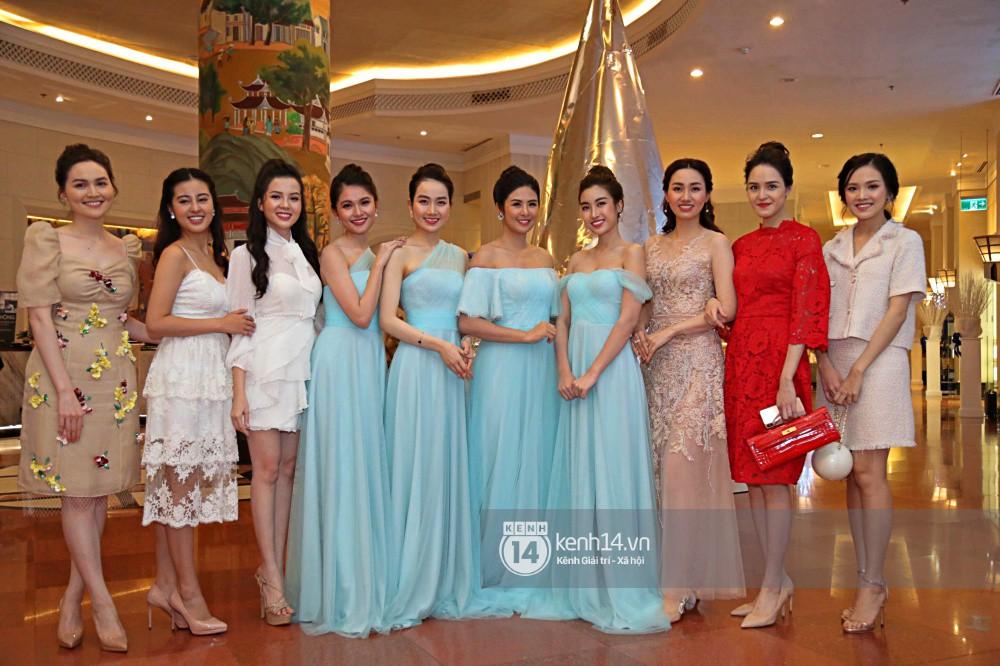 Bất ngờ: Nghi lễ đám cưới diễn ra nhanh gọn, Á hậu Thanh Tú nhường sân khấu cho bóng đá-13