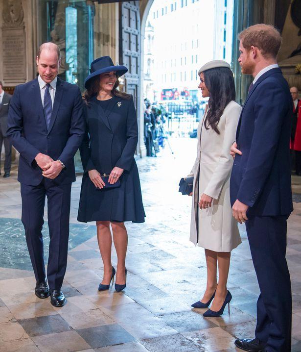 """Tiết lộ gây sốc về việc Công nương Kate hiềm khích"""" với em dâu Meghan xuất phát từ người thứ ba"""" không ngờ đến-1"""