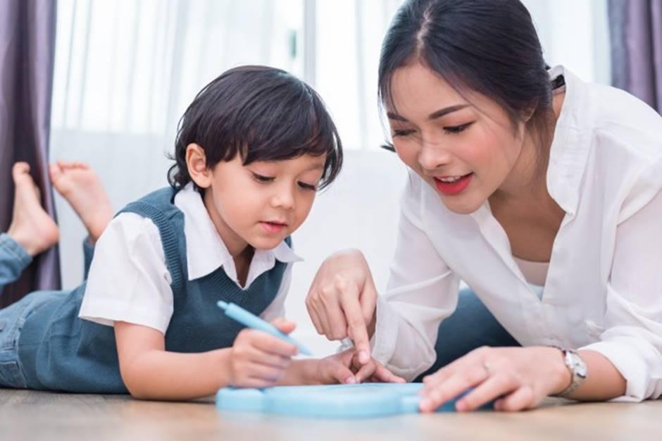 Dạy gì thì dạy, khi nuôi dạy con trai, bố mẹ cần tránh 3 câu nói này-1