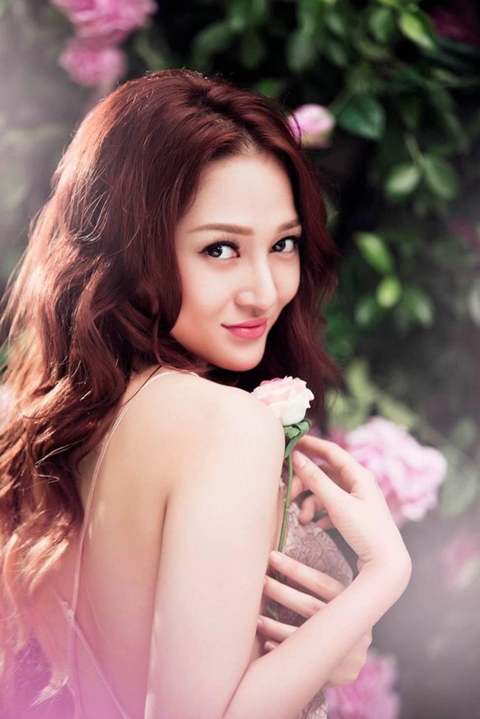 Tuyệt chiêu trở thành mỹ nữ gợi tình, nóng bỏng của đối thủ Hương Tràm-19