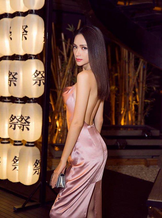 Hoa hậu Hương Giang diện váy cắt xẻ táo bạo nhưng fan lại bức xúc vì một điều khác-8