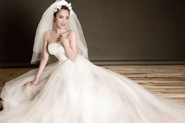 Thông tin hiếm hoi về chồng đại gia, hơn 8 tuổi của Á hậu Thụy Vân-1