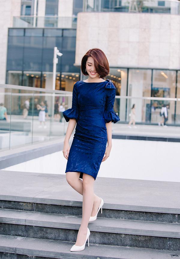Thúy Ngân khoe thời trang đúng chuẩn hoa hậu-17