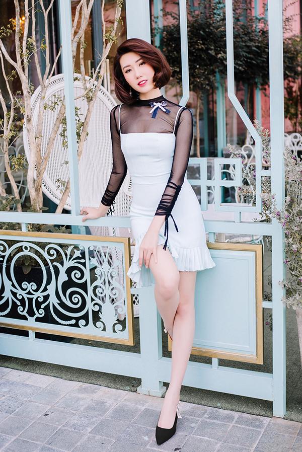 Thúy Ngân khoe thời trang đúng chuẩn hoa hậu-21