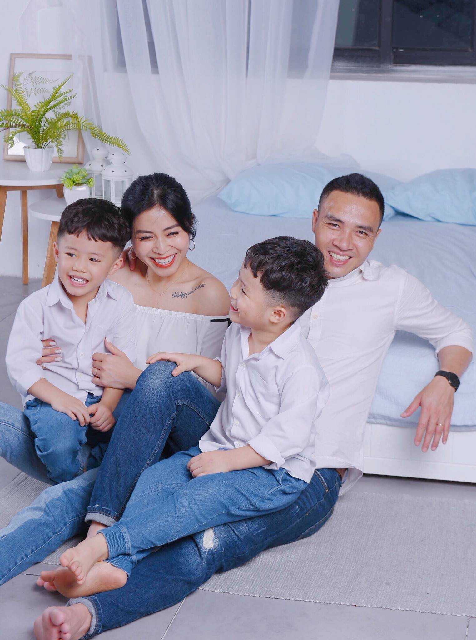 MC Hoàng Linh bất ngờ đăng ảnh chụp cùng chồng sắp cưới nhưng điều này mới được dân mạng chú ý hơn cả-10