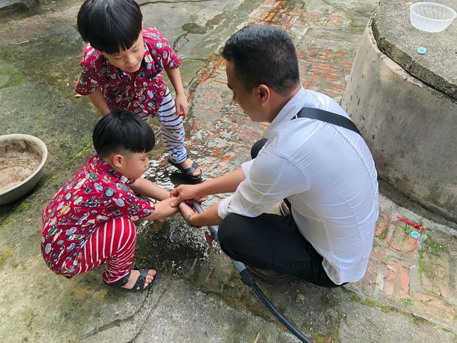 MC Hoàng Linh bất ngờ đăng ảnh chụp cùng chồng sắp cưới nhưng điều này mới được dân mạng chú ý hơn cả-6