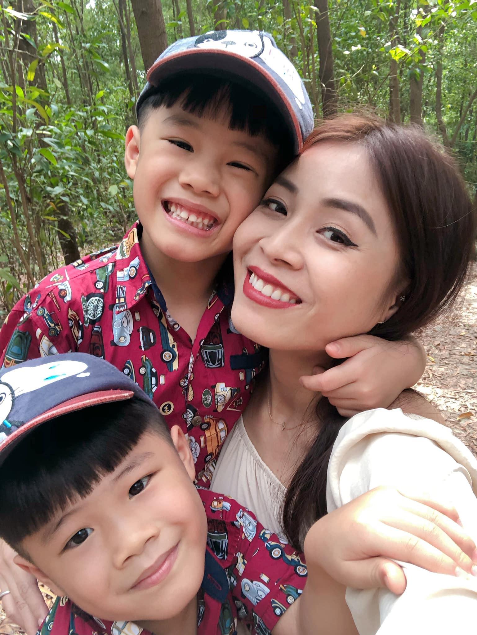 MC Hoàng Linh bất ngờ đăng ảnh chụp cùng chồng sắp cưới nhưng điều này mới được dân mạng chú ý hơn cả-2