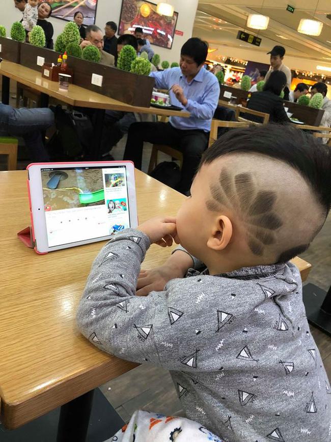 Đã tìm ra cậu bé chất chơi nhất Việt Nam, 4 tuổi đã sở hữu hàng chục kiểu tóc có một không hai-7