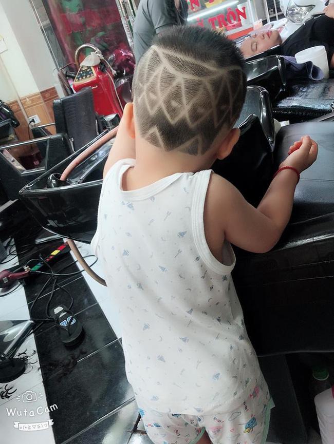 Đã tìm ra cậu bé chất chơi nhất Việt Nam, 4 tuổi đã sở hữu hàng chục kiểu tóc có một không hai-9