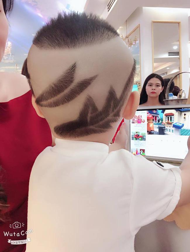 Đã tìm ra cậu bé chất chơi nhất Việt Nam, 4 tuổi đã sở hữu hàng chục kiểu tóc có một không hai-1