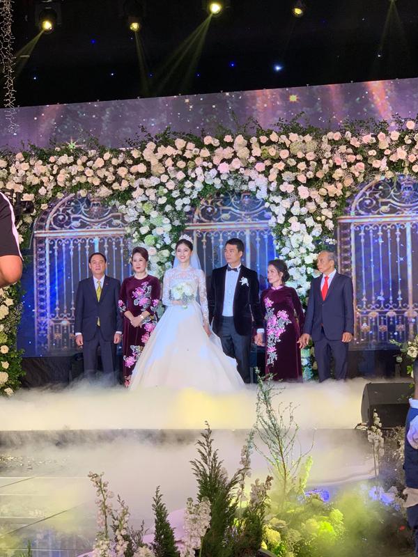 Thực đơn trong đám cưới của Á hậu Thanh Tú và chồng doanh nhân có gì đặc biệt?-3