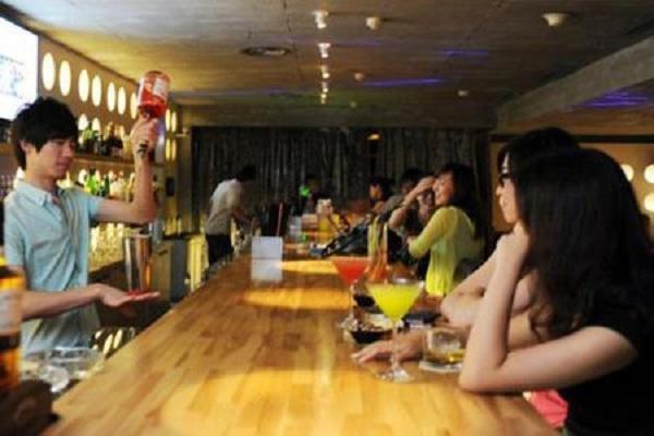 Biến chuồng lợn thành quán bar, tay chơi đút túi 200 triệu/tháng-2